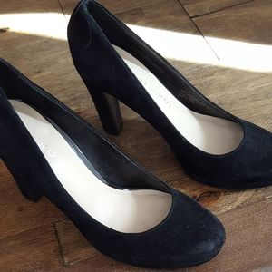Franco Sarto Women's Black suede dress shoes